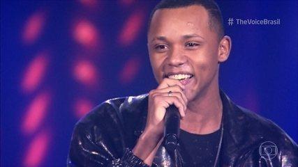 Victor Alves canta 'Pra Você Acreditar'