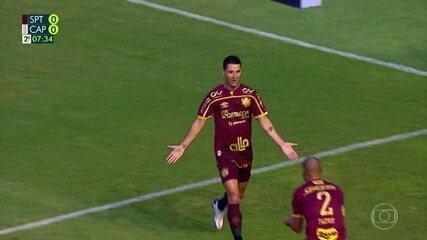 Gol do Sport! Thiago Neves recebe cruzamento de Patric e bate forte para marcar, aos 7' do 2T