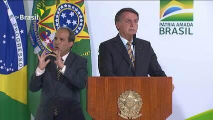 Bolsonaro: 'Quando acaba a saliva, tem que ter pólvora