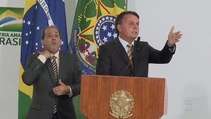 Bolsonaro volta a minimizar pandemia: Brasil 'tem que deixar de ser um país de maricas'