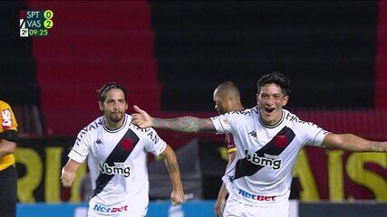 Gol do Vasco! Cano se atira na bola para marcar após passe de Neto Borges, aos 6' do 2T