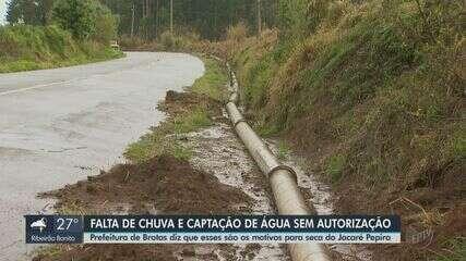 Falta de chuva e captação de água sem autorização baixa nível de rio em Brotas