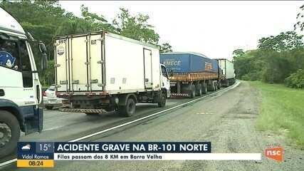 Acidente grava na BR-101 complica trânsito no Norte catarinense