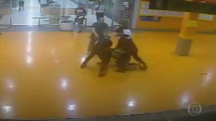 Câmeras mostram cronologia do assassinato de João Alberto em supermercado do Carrefour