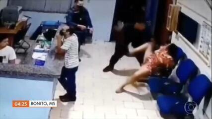Mulher é agredida por PM dentro de batalhão em Bonito, MS