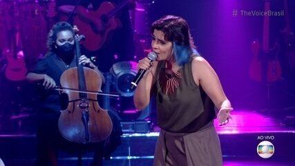 Larissa Vitorino canta 'La Vie En Rose'