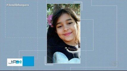 Corpo de menina que morreu com choque elétrico é enterrado em Caldas Novas