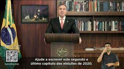 Ministro Barroso pede que eleitores votem: 'Não entregue aos outros o seu destino'
