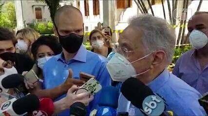 FHC vota acompanhado de Covas e diz que desgaste do PSDB 'é normal'