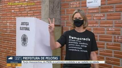 Paula Mascarenhas, do PSDB, é a primeira candidata a ser reeleita em Pelotas