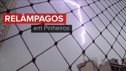 Raio atinge grua de prédio em obra perto do Largo da Batata, na Zona Oeste de SP