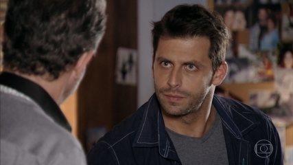 Duque entrega endereço do hotel onde Dom Rafael está para Cassiano