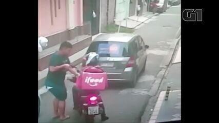 Entregador é assaltado em Belém