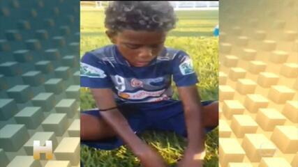 Menino que denunciou racismo recebe convite para testes em grandes clubes brasileiros