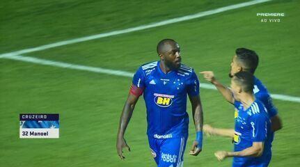 Gol do Cruzeiro! Após escanteio, Manoel, de cabeça, abre o placar aos 8' do 1º