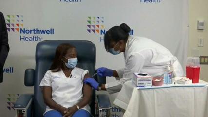 VÍDEO: Enfermeira é a primeira a receber a 2ª dose da vacina da Pfizer nos EUA