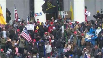 Manifestantes pró-Trump invadem o Capitólio americano