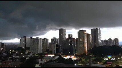 Meteorologista explica sobre a formação de nuvens de chuva