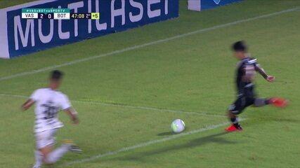 Pec cruza na medida para Cano, que finaliza bem, mas Cavalieri impede o terceiro gol, aos 46 do 2º tempo