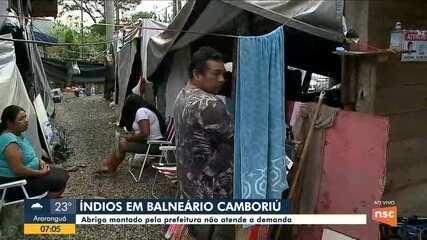 Abrigo para índios em Balneário Camboriú não atende a demanda