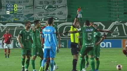 Vanderley é expulso no clássico entre Goiás e Atlético-GO
