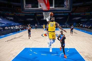 Melhores momentos: Oklahoma City Thunder 99 x 128 Los Angeles Lakers pela NBA