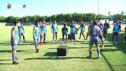 Cano e Benítez faturam torneio de futmesa no Vasco antes do jogo contra o Coritiba