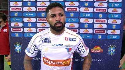 Autor de golaço, Romarinho lamenta gols sofridos no início do jogo contra o Internacional