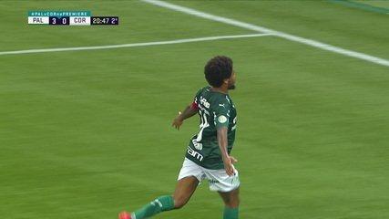 Gol do Palmeiras! Gabriel recua mal, Luiz Adriano divide com Cássio, bola bate no atacante e entra, aos 20 do 2º tempo