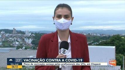 Plano de vacinação começa pelos profissionais das UTIs, em Chapecó