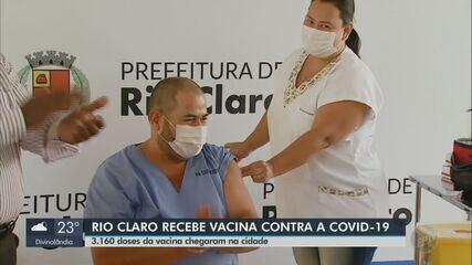 Rio Claro recebe 3.160 doses da CoronaVac e dá início a plano de imunização
