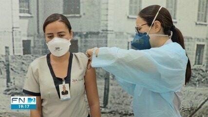 Profissionais que atuam em hospitais começam a ser vacinados no Oeste Paulista