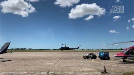 Vacina Oxford/AstraZeneca chega ao aeroporto de Campos, no RJ