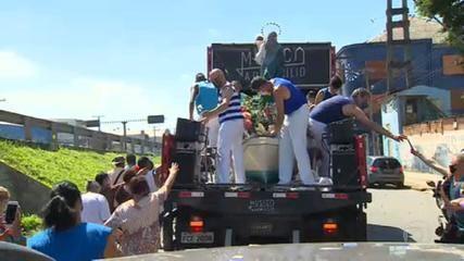 Procissão de Nossa Senhora dos Navegantes vira carreata em Porto Alegre