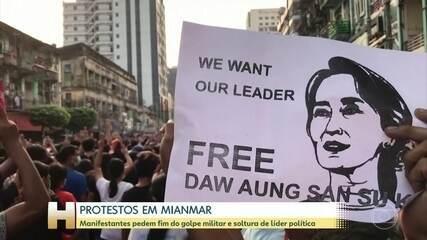Milhares de pessoas protestam contra golpe militar em Mianmar