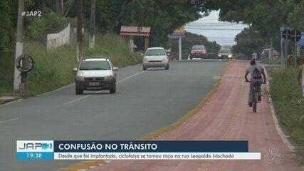 Sem sinalização completa, ciclofaixa na Rua Leopoldo Machado gera confusão no trânsito