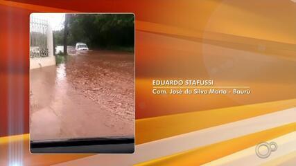 Forte chuva atingiu Bauru neste domingo (14) e deixou prejuízos nas ruas da cidade