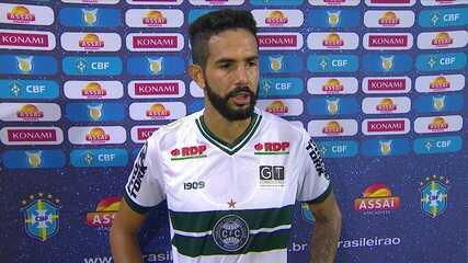 """Autor do gol da vitória, Jonathan comenta interesse do Botafogo e pede desculpas por rebaixamento: """"Temos que honrar a camisa"""""""