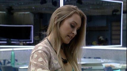 Carla Diaz brinca sobre a possibilidade de Arthur ficar pelado após Eliminação do BBB21
