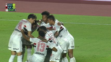 Veja o gol de Luciano em cobrança de falta