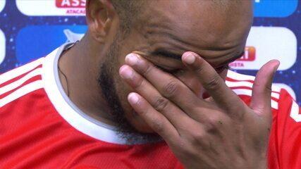 "Visivelmente abalado, Patrick lamenta empate e título perdido: ""Faltou o gol"""