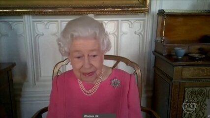 Rainha Elizabeth II encoraja os britânicos a se vacinarem contra a Covid-19