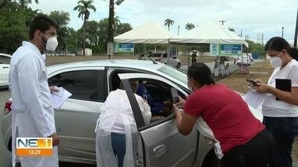 Idosos a partir dos 75 anos começam a ser vacinados contra a Covid-19 no Recife
