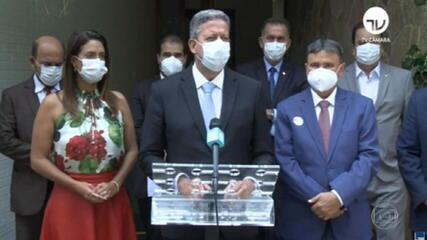 Bolsonaro veta estados e municípios de imunizarem a população em caso de omissão do Ministério da Saúde