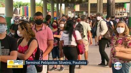 TI em Paulista tem filas enormes e lotação no dia em que começam novas restrições
