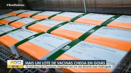 Goiás recebe mais 76 mil doses de vacina contra a Covid-19 para imunizar idosos