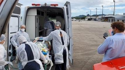 Paciente transferido de Santa Catarina para tratar Covid-19 chegou ao Espírito Santo