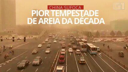 VÍDEO: China sufoca com tempestade de poeira em meio a fortes ventos
