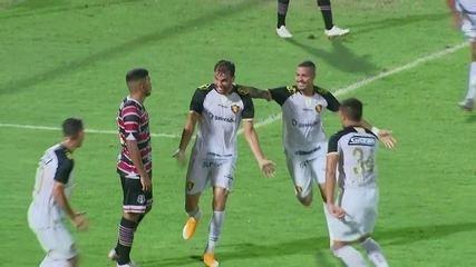 Gol do Sport! Aos 35 do 1ºT, Rafael Thyere marca pelo Leão contra o Santa Cruz