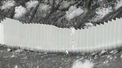 Imagens mostram crianças sendo abandonadas por 'coiotes' na fronteira dos EUA